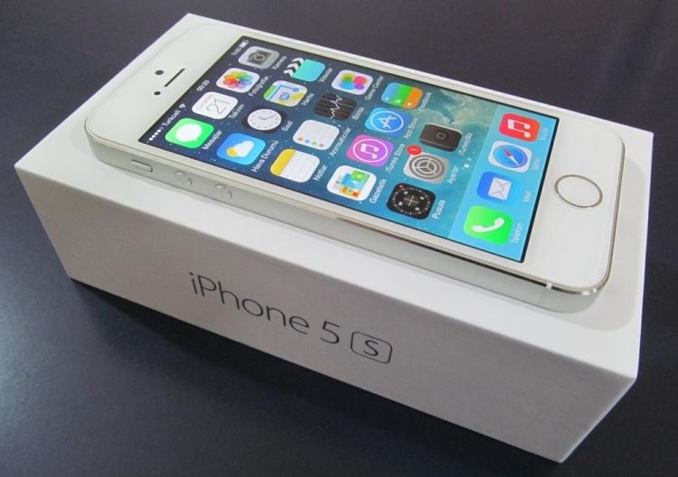 iPhone 5s и упаковка